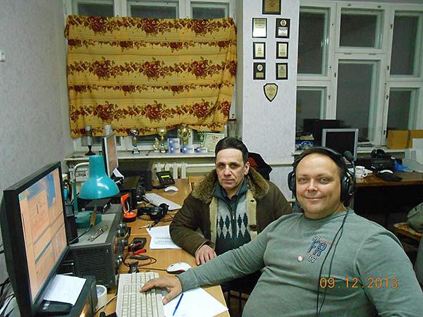R9XC и RD8X за работой юбилейным позывным RY100RAEM на коллективной радиостанции RL9X
