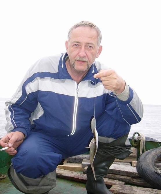 Удачливый рыбак – Виктор RU6AX.