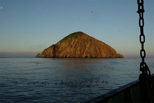 Остров Ионы с борта судна