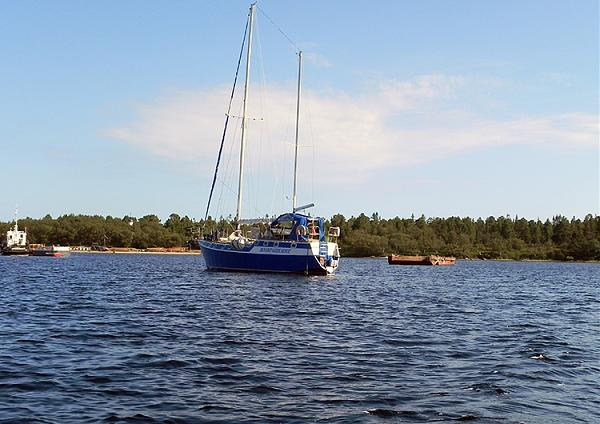 """Яхта """"Возвращение"""" в бухте Капельская в 2013 году"""