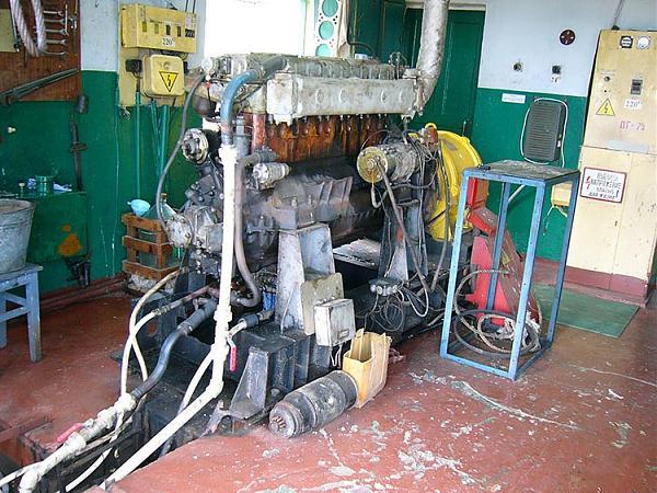 Один из 5-ти двигателей с генератором 93,7kVa островной ДЭС
