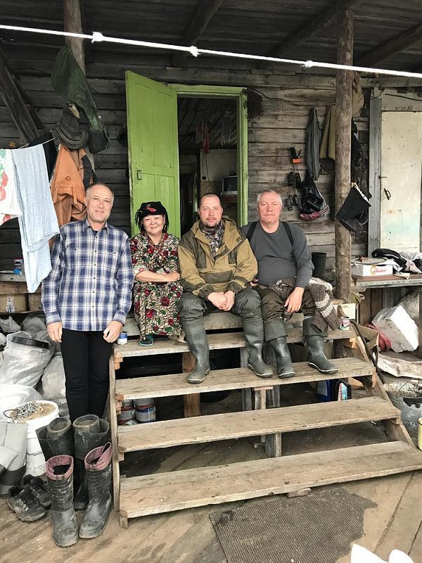Слева-направо: Василий, Дарья Афанасьевна, Евгений, Юрий