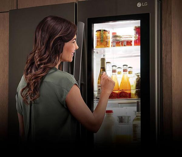 Холодильник с ЖК-экраном