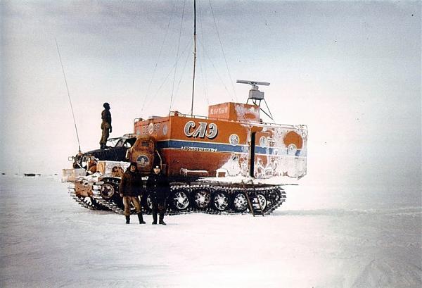 Тягач «Харьковчанка» с жилым модулем
