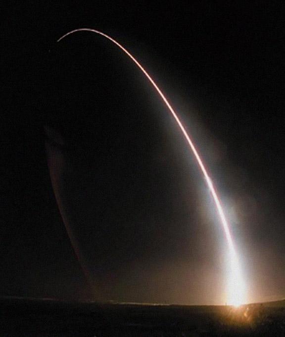 Запуск американской баллистической ракеты Minuteman