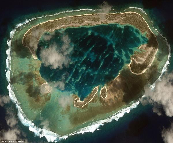 DUCIE ISLAND (SOUTH PACIFIC) View from the SPACE.