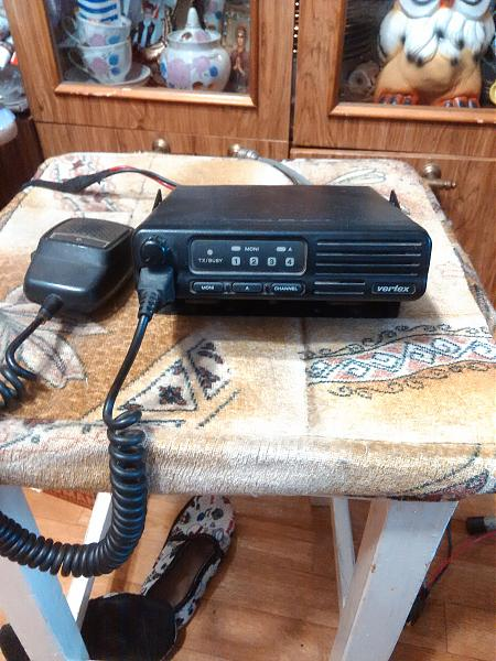 Продам Две автомобильные радиостанции на LOW BAND.