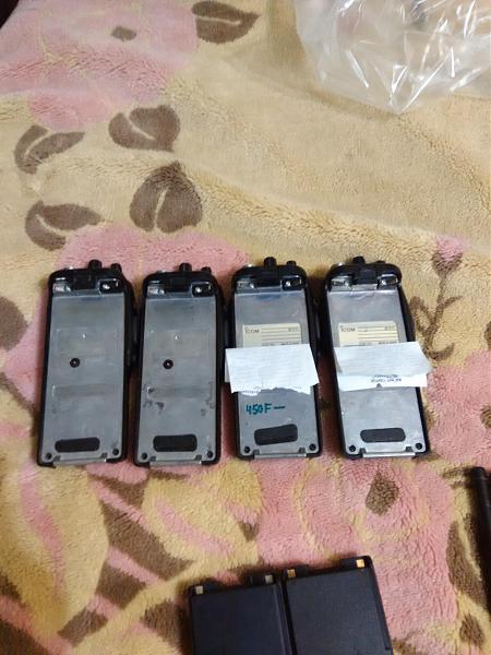 Продам Icom IC-F11 и комплектующие.