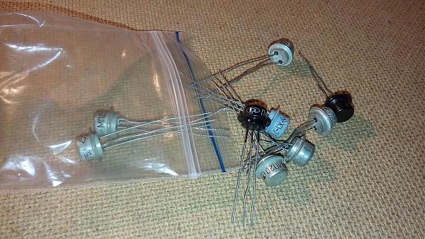 Продам Транзисторы п402