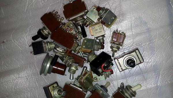 Продам Переключатели приборные