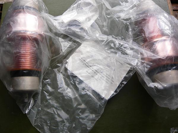 Продам Вакуумные конденсаторы  КП1-4...КП1-8....