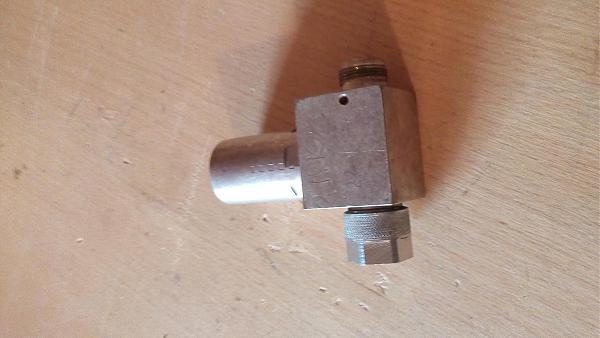 Продам Тройник проходной для детекторов и щупов