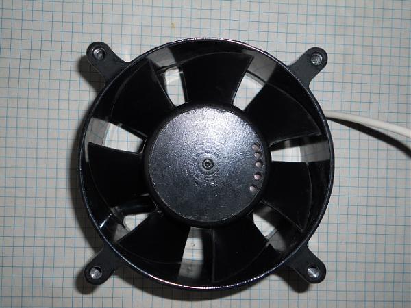 Продам 220в вентиляторы