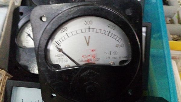 Продам Щитовые вольтменты перем. тока Э421 М до 450 вольт