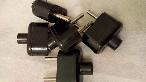 Продам Вилки сетевые для приборных кабелей