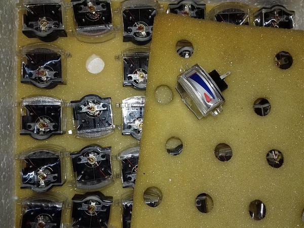 Продам Индикаторы тока М4284 200мкА