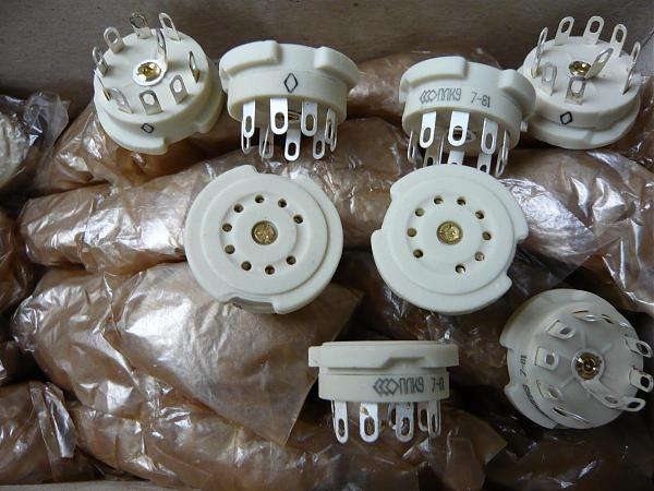 Продам Панельки для радиоламп ПЛ8-2К, ПЛ8-2Пв