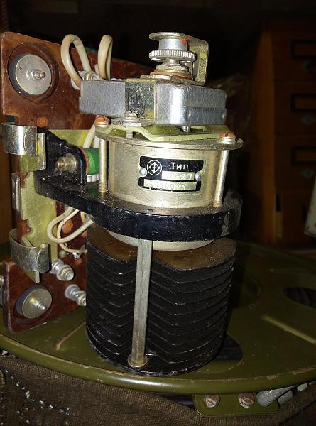 Продам угольный регулятор напряжения  Р-27