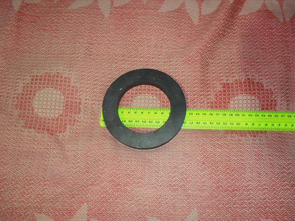 Продам Кольцо ферритовое 12 см