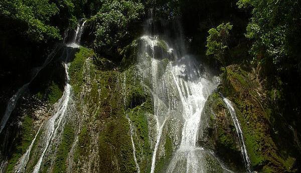 YJ0GC Остров Эфате Вануату