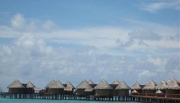 8Q7GB Остров Ника Мальдивы