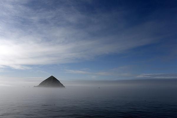 Далекий и загадочный остров Ионы