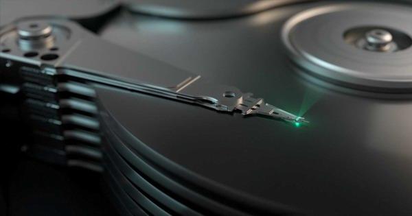 Механика HDD способна улавливать вибрации от человеческого голоса, и это можно использовать для подслушивания