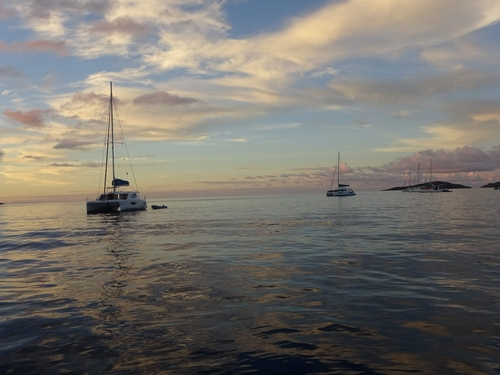 фото яхты в море S79AM