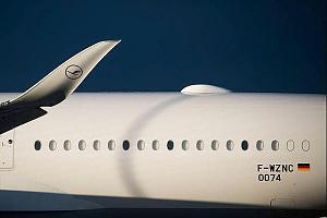 Европейцы встроят спутниковую антенну в обшивку самолета
