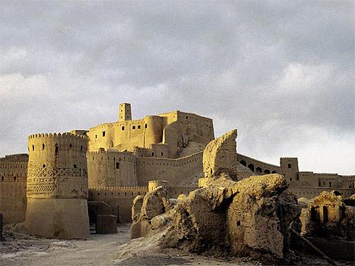 Крепость в г. Бам. Фото с сайта vokrugsveta.com