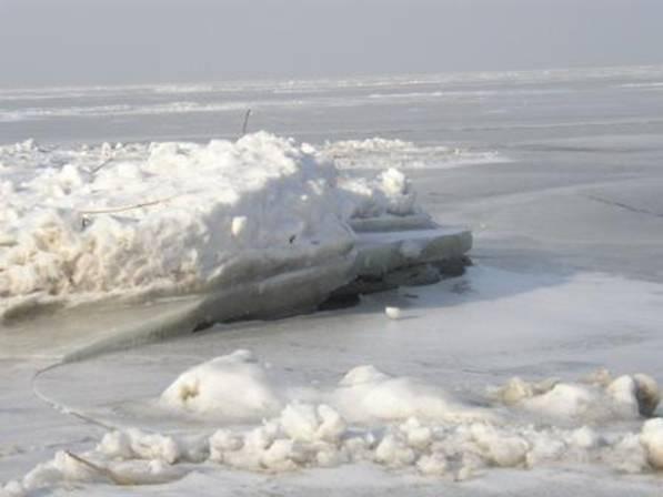 Куршский залив в ледяном плену