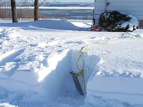 Колья от Спайдера были надежно засыпаны метровым слоем снега
