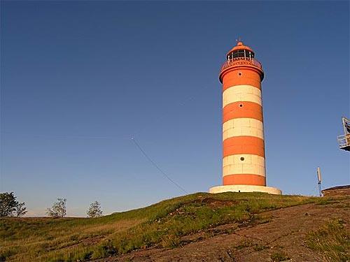 Северный Гогландский маяк (Lighthouse WLOTA-0737, RLE-003). К нему подцепили антенну Windom.
