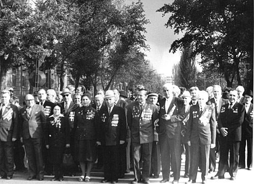 М.Ф. Бондаренко( посередине) на встрече с ветеранами Великой Отечественной  - середина 70-х годов.