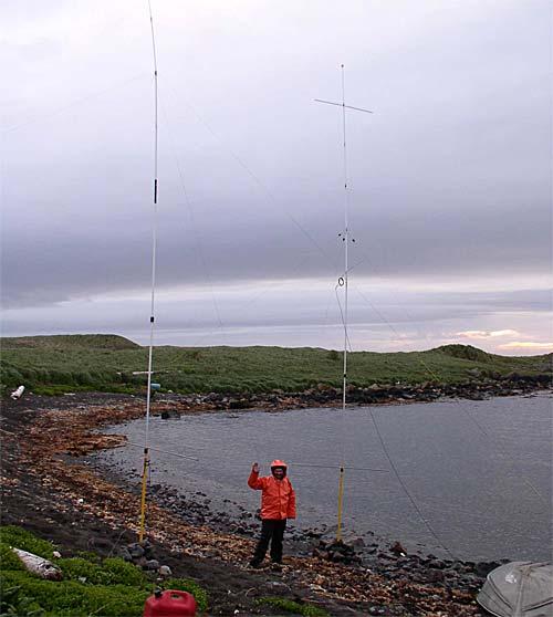 Вертикальные антенны на берегу (в штормовой одежде UA9OBA)