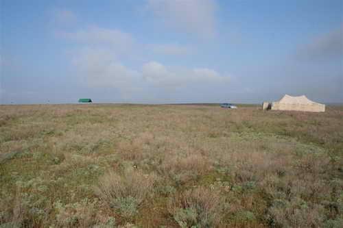 Так выглядела большая палатка внутри которой располагались спальные палатки, кухня, столовая, операторское место.