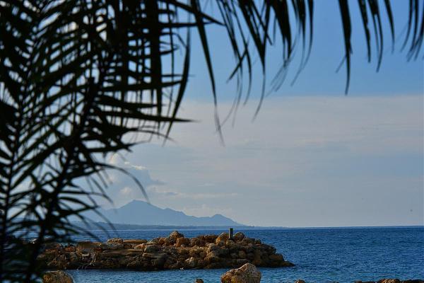 H44YM Остров Гуадалканал, Соломоновы острова.