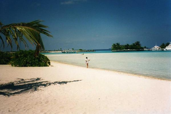 8Q7DM Остров Ланканфинолху, Мальдивы