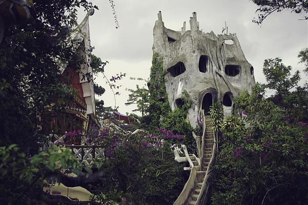 XV9HL Сумасшедший дом, Далат, Вьетнам.