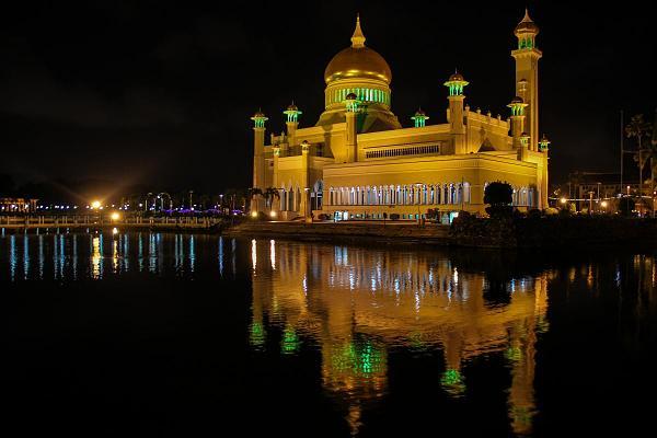 V85/KC0W Мечеть, Бруней