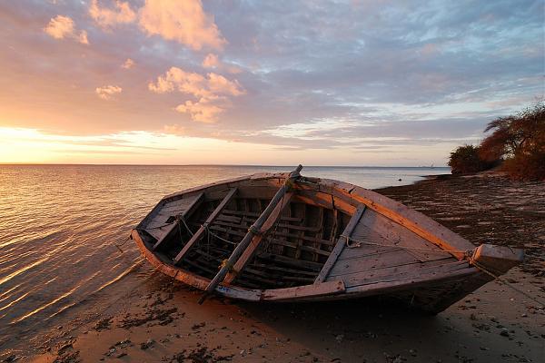 C8X C81G Закат, остров Ибо, Мозамбик.