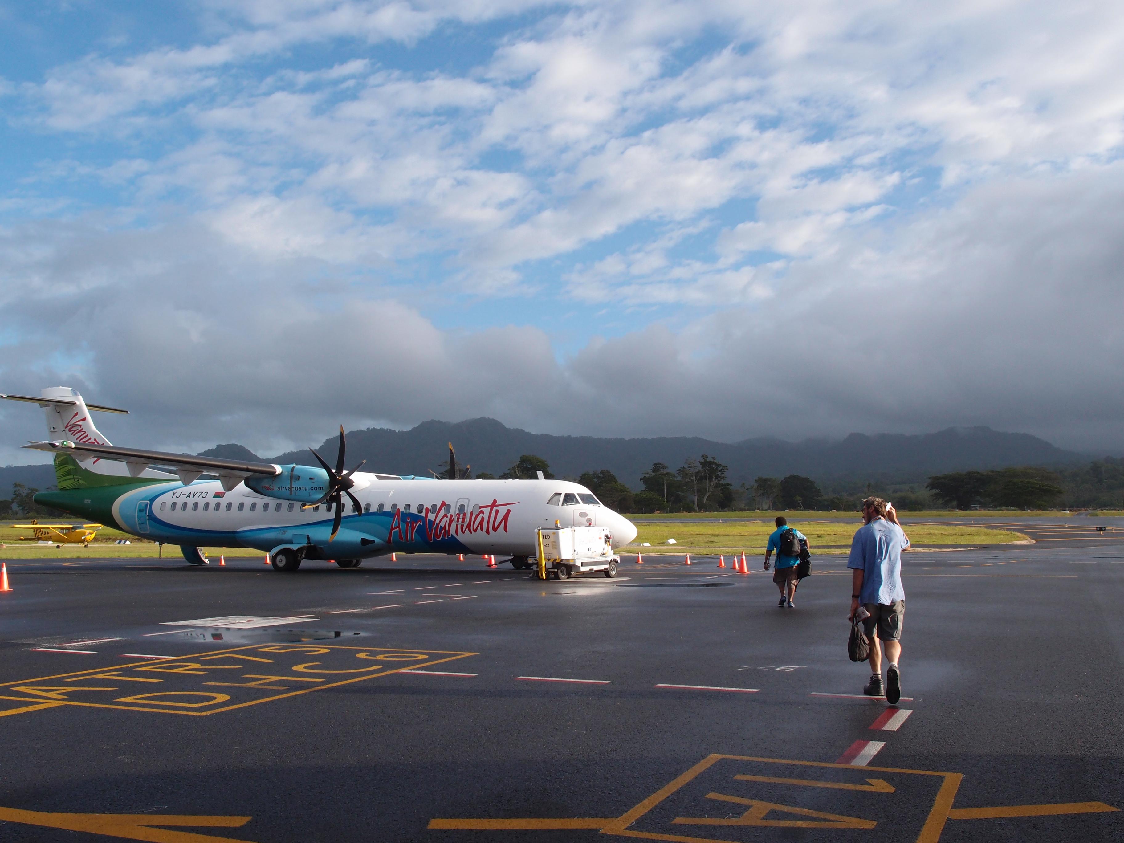 Аэропорт Порт Вила
