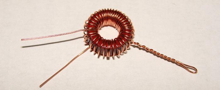 Катушка L1 на ферритовом кольце