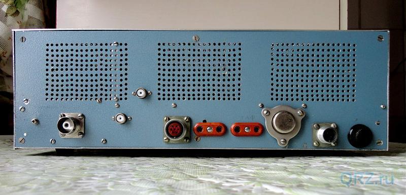 Рис.11.8. Радиоприёмник «Экстра-Тест». Вид сзади.